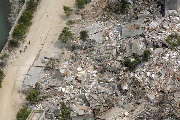 27 травня, повіт Бейчуань провінції Сичуань. Від землетрусу постраждали десятки тисяч будинків.Фото: Getty Images