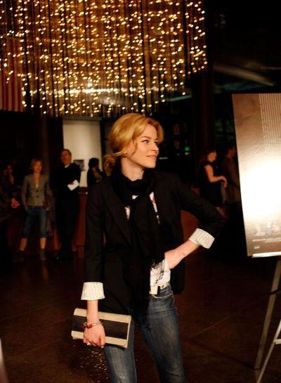 Актриса Элизабет Бэнкс / Elizabeth Banks посетила премьеру фильма 'Просто добавь воды' (Just Add Water), которая прошла в Лос-Анджелесе. Фото: Kevin Winter/Getty Images