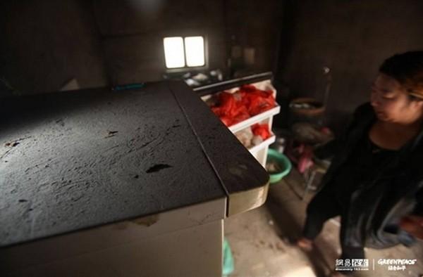 Вугільний попіл містить велику кількість важких металів, які практично не виводяться з організму. Фото: epochtimes.com