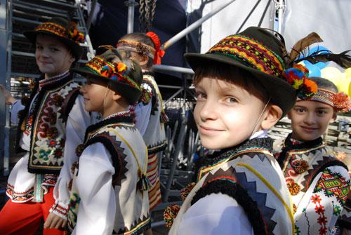 Во время праздника выступали детские фольклорные коллективы. Фото: Владимир Бородин/Великая Эпоха