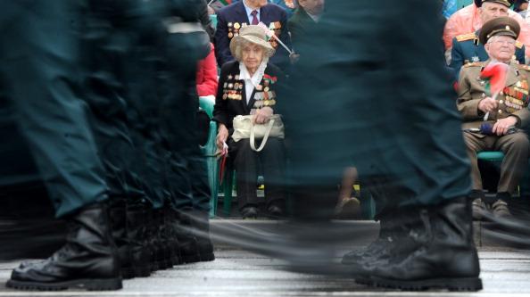 У вихідні, на честь Дня Незалежності Білорусі в центрі столиці відбувся військовий парад. Але прийти його подивитися виявилося небагато. Фото: Виктор Драшев/Getty Images