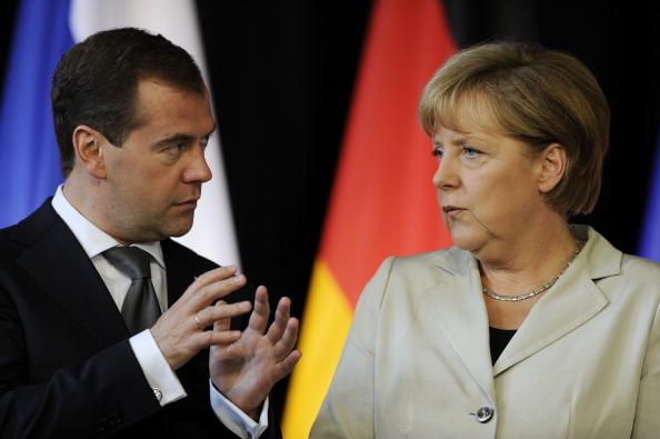Канцлер ФРГ Ангела Меркель и президент России Дмитрий МедведевФото: ODD ANDERSEN/Getty Images