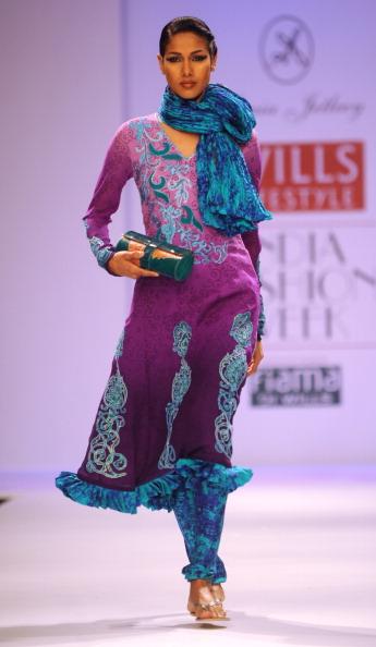 Показ колекції від Соня Джетлі (Sonia Jetleey) на Тижня моди в Індії. Фото: RAVEENDRAN / AFP / Getty Images