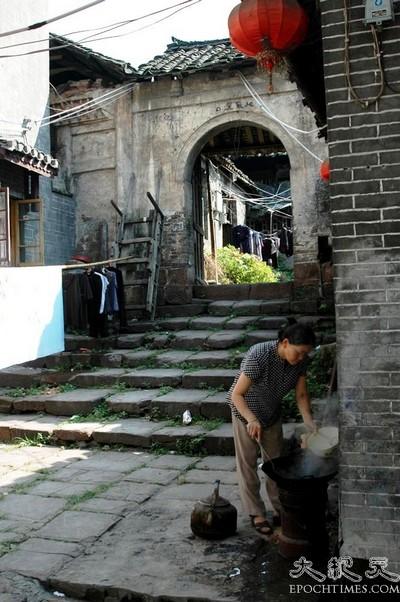 Стародавнє містечко Фенхуан. Фото з epochtimes.com