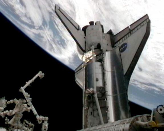 Грузовой отсек шаттла Атлантис после последней стыковки с Международной космической станцией. Фото: NASA via Getty Images