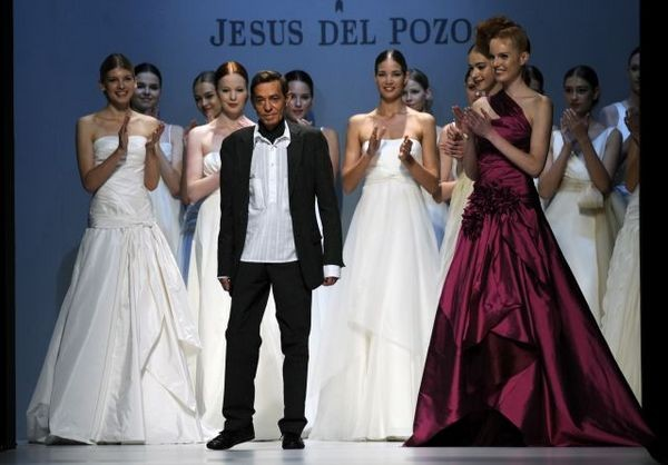Дизайнер Jesus del Pozo. Фото: LLUIS GENE/AFP/Getty Images