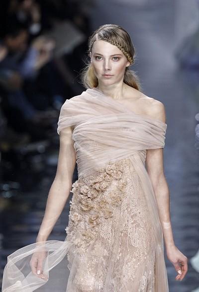 Колекція Elie Saab весна-літо 2010 на Тижні моди в Парижі. Фото: AFP