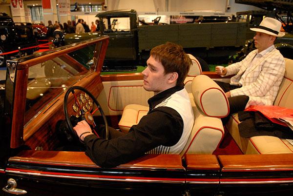Виставка «Ретро і екзотика мотор шоу» пройшла у Києві 16 квітня 2010 року. Фото: Володимир Бородін / The Epoch Times