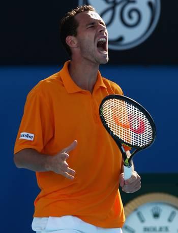 Мішель Ллодра (Франція) (Michael Llodra of France) під час відкритого чемпіонату Австралії з тенісу. Фото: Mark Dadswell/Getty Images