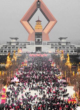 Знаменитый храм «Фамэн» за один день посетило более 280 тысяч человек. Провинция Шэньси. 3 февраля 2011 год. Фото с epochtimes.com