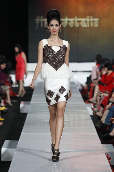 Презентація колекції від Ari Seputra's на Тижні моди 2010 в Джакарті. Фото Ulet Ifansasti/Getty Images for Jakarta Fashion Week