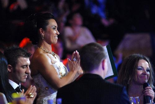 Стелла Захарова біля почесних гостей. Фото: Володимир Бородін/Велика Епоха