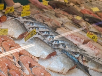Грабители полакомились дорогой рыбой и икрой