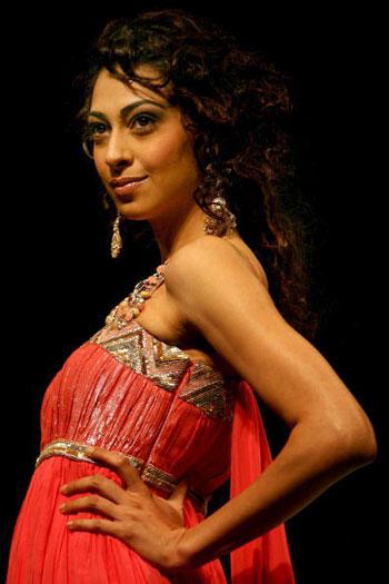 Тиждень моди Wills India Fashion Week, що він пройшов в індійському Нью-Делі. Фото: MANPREET ROMANA/AFP/Getty Images
