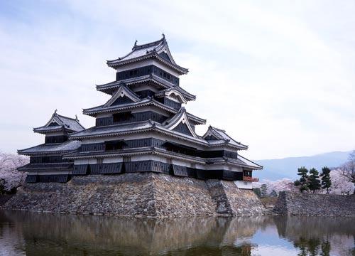 Замокнув Матсумото, Японія.