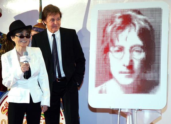Пол Маккартни (Paul McCartney) и Йоко Оно (Yoko Ono).Фото:Ethan Miller/Getty Images