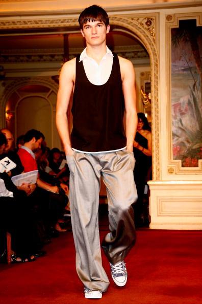 Показ мужкой коллекции от Alexis Mabille в Париже/Julien M. Hekimian/Getty Images