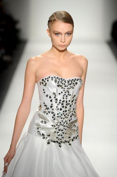 Колекція Ірини Шабаєвої на Mercedes-Benz Fashion Week. Фото: Frazer Harrison/Getty Images for Mercedes-Benz