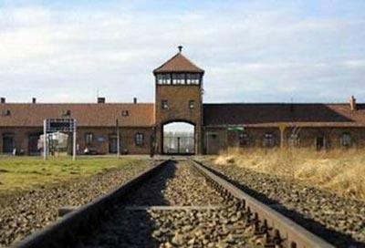 Настоящая «чёртова застава» - отделение концлагеря Освенцим, главные ворота лагеря Пужецинка.