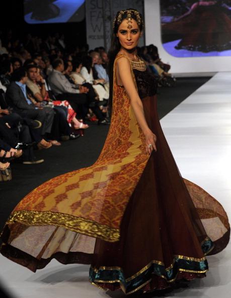 Презентація колекцій від Rano''s і Teejays весна/літо 2011 в Карачі, Пакистану. Фото ASIF Hassan/afp/getty Images