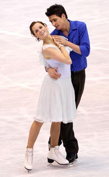 Тесса Вирту и Скотт Муар (Канада) исполняют произвольный танец. Фото: Koichi Kamoshida/Getty Images