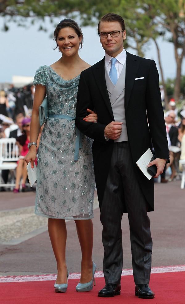 Крон-принцеса Вікторія з чоловіком герцогом Даніелем Вестеретландським на весіллі князя Монако ІІ і Шарлін Уіттсток. Фото: Sean Gallup/Getty Images