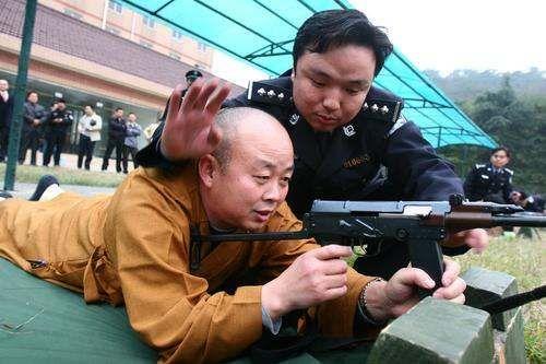 Сучасні ченці Китаю. Фото з fs-home.com
