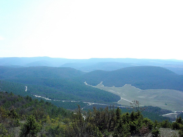 Панорама гор и долины возле села Терновка. Фото: Алла Лавриненко/The Epoch Times Украина