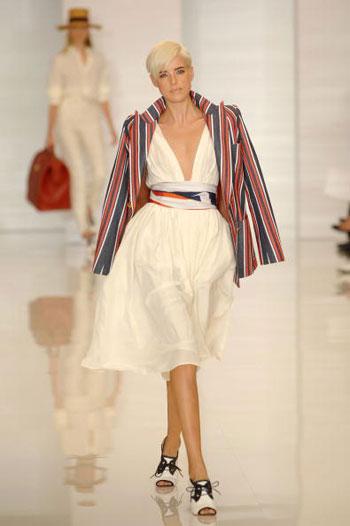 Коллекция одежды весна-2008 от Томми Хилфигера (Tommy Hilfiger) на Неделе моды Mercedes-Benz Fashion Week в Нью-Йорке. Фото: Fernanda Calfat/Getty Images for IMG