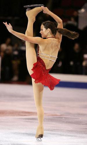 Під час своїх виступів Саша незмінно демонструє свою дивовижну розтяжку. Фото: Elsa/Getty Images