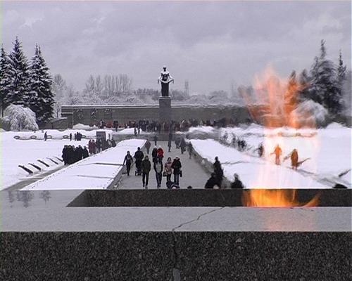 Вечный огонь на Пискаревском кладбище 27 января 2008 года. Фото: Вячеслав Козлов