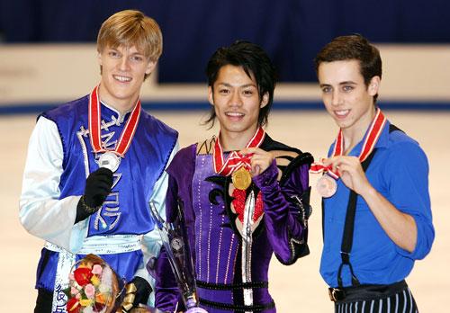 Слева направо: Томаш Вернер (Чехия), Дайсуке Такахаси (Япония), Стефан Каррер (США). Фото: Junko Kimura/Getty Images