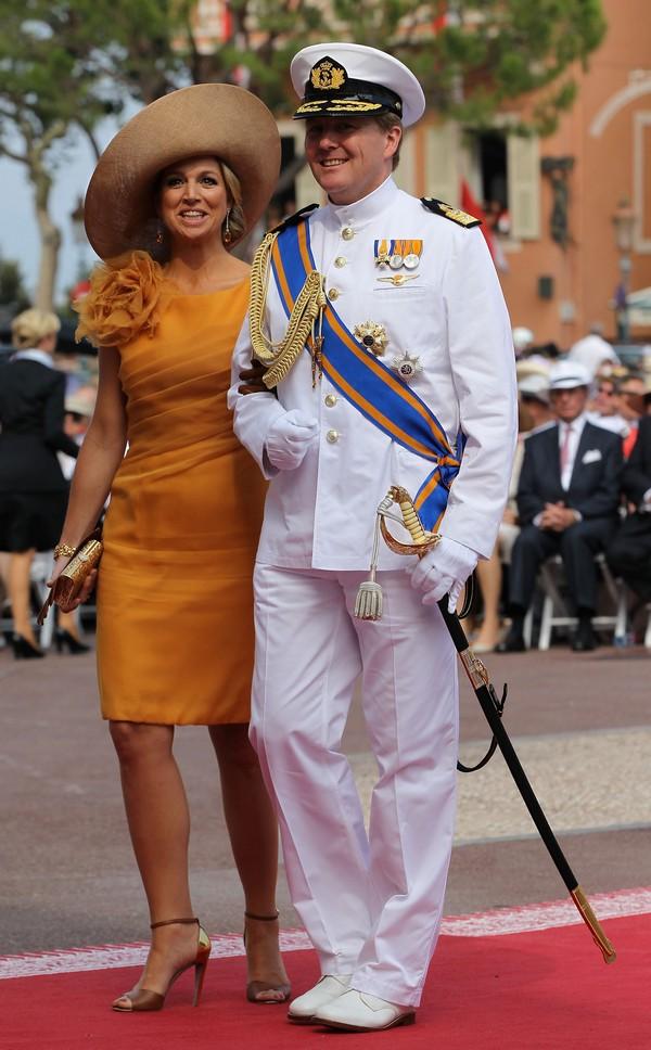 Принц Виллем-Александр и принцесса Максима из Нидерландов на свадьбе князя Монако ІІ и Шарлин Уиттсток. Фото: Getty Images