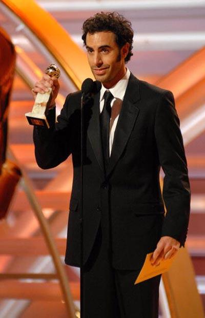 Саша Берон Коен (Sacha Baron Cohen) отримав 'Золотий глобус' у номінації 'Кращий актор - мюзикл або комедія' за роль у власному фільмі 'Борат' /Вorat: Cultural Learnings of America for Make Benefit Glorious Nation of Kazakhstan (2006), і актор Кен Девітан