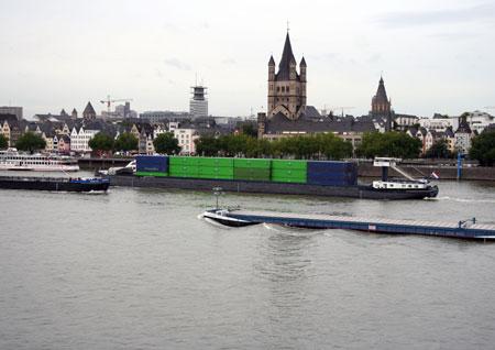 Річка Рейн і Собор Св. Мартіна. Фото: Майкл Озакі/Велика Епоха