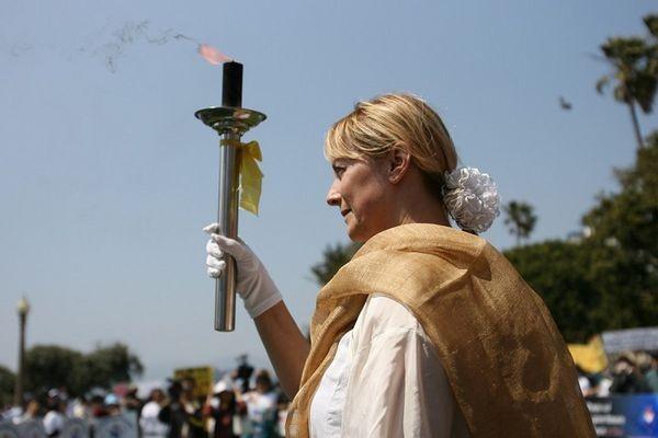 Факел на захист прав людини в Лос-Анджелесі. Фото: Цзі Юань/ The Epoch Times