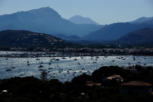 За переказами, Пальма-де-Майорка була заснована римським консулом Цецилієм Метеллом, який буквально закохався в цю землю, побачивши пагорб, що навис над морем. Фото: Jasper Juinen/Getty Images