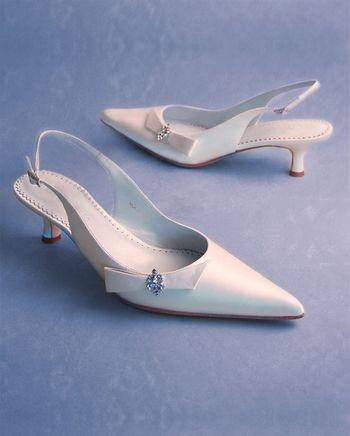 Весільне взуття: ніжні ідеї для особливого дня. Фото з epochtimes.com
