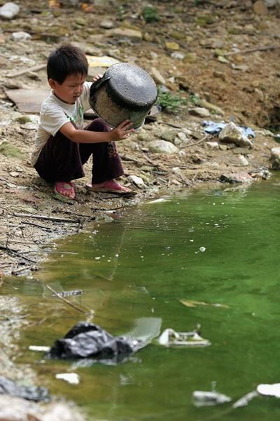 62% водоймищ Китаю через сильне забруднення води не придатні для життя риб. Фото: China Photos/Getty Images