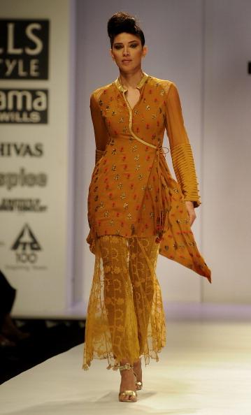 Показ колекції від Джая Ратор (Jaya Rathore) на Тижня моди в Індії. Фото: RAVEENDRAN / AFP / Getty Images