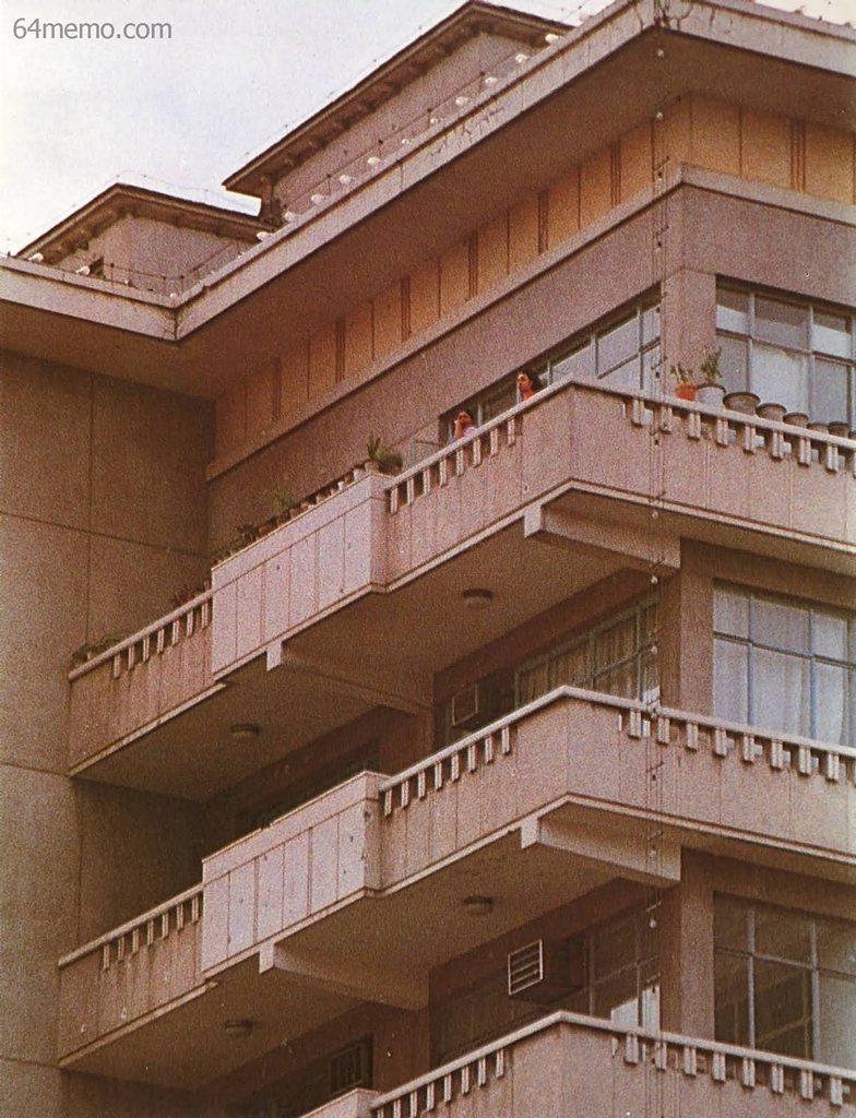 7 червня 1989 р. Будівля дипломатичного корпусу в Пекіні, яка була обстріляна солдатами. Кажуть, що з неї хтось відкрив по солдатах вогонь. Фото: 64memo.com