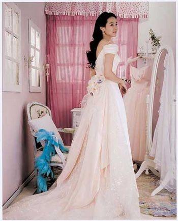 Південно-корейське весільне плаття.Фото з secretchina.com
