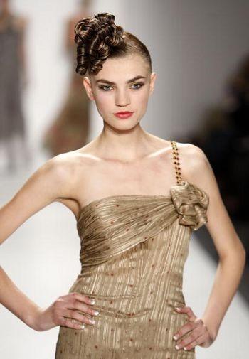 Коллекция женской одежды осень 2008, представленная 1 февраля на неделе моды от Mercedes-Benzв в Нью-Йорке. Фото: Getty Images