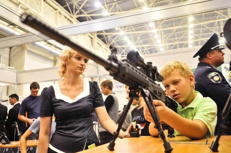 Выставка 'Оружие и безопасность' открылась в Киеве 21 сентября. Фото: Владимир Бородин/The Epoch Times Украина