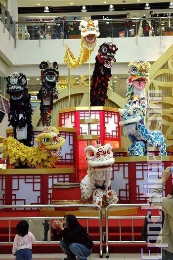 Перед Новим Роком у всіх магазинах Макао продаються різноманітні новорічні товари. Фото: Сюй Ся/Велика Епоха
