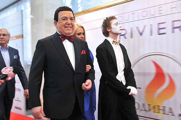 Иосиф Кобзон на торжественной церемонии вручения титула программы «Человек года» в Киеве 26 марта 2011 года. Фото: Владимир Бородин/The Epoch Times Украина