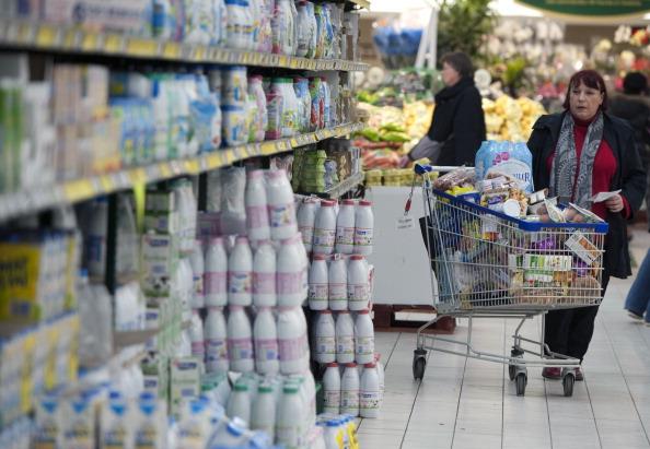 Украина запретила ввоз молока и свинины из Белоруссии