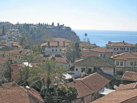 Краєвид анталійського узбережжя. Фото: Олена Підсосонна