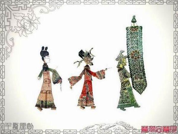 Фігурки-персонажі китайського театру тіней. Фото з secretchina.com