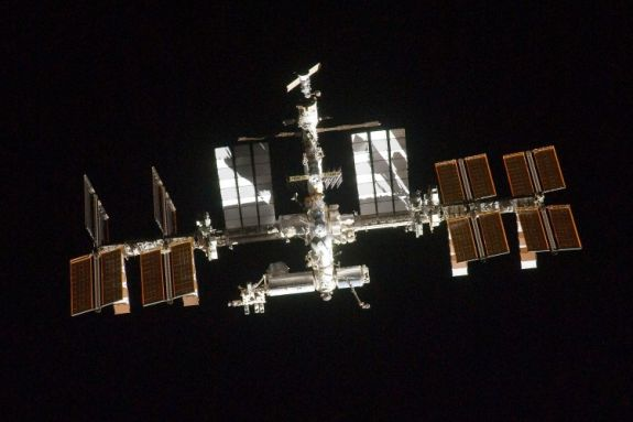 Фото Міжнародної космічної станції, зроблене членом екіпажу шатла. Фото: NASA via Getty Images